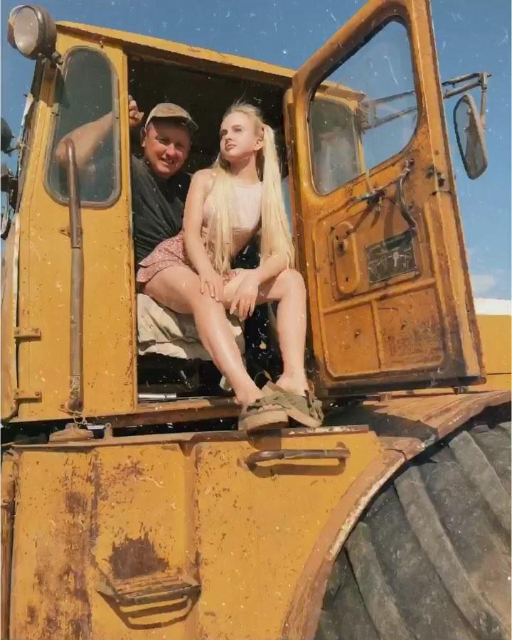 negrami-kitayanki-derevenskuyu-vzyal-siloy-porno-mashine-onlayn